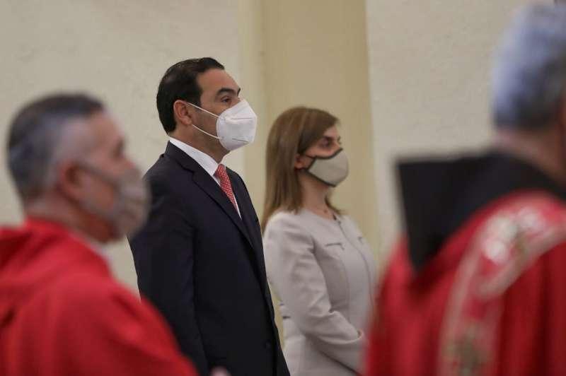 El gobernador Valdés asistió a la ceremonia de toma de posesión de Monseñor Larregain