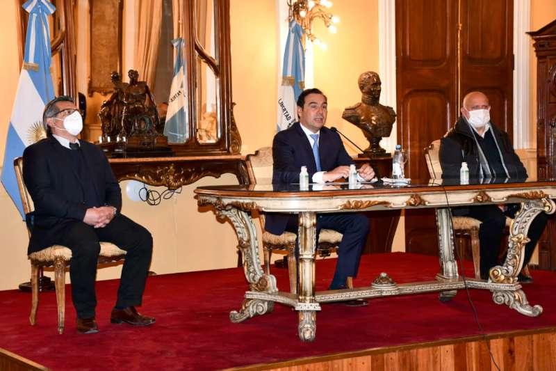 """Valdés anunció la reactivación del turismo interno en """"zonas blancas"""""""