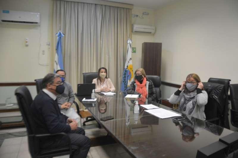 La ministra Susana Benítez conversó con docentes de Educación Especial