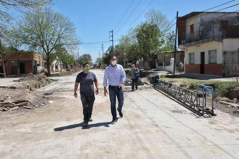 Valdés recorrió obra sobre calle Lavalle que tendrá gran impacto vial y pluvial