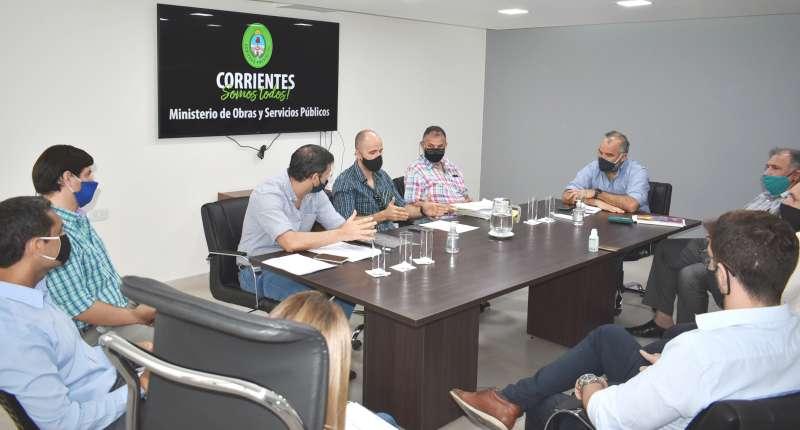 Polich analizó con técnicos y contratistas el estado de las obras del PROMEBA en Capital