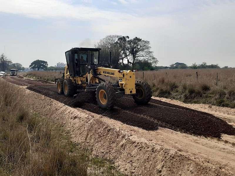 La Provincia avanza con el mejoramiento de caminos rurales, fundamentales para el desarrollo del campo correntino
