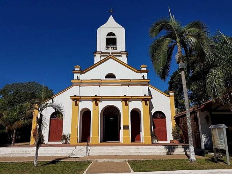 """Continuarán las obras en la parroquia """"Inmaculada Concepción"""" de Paso de la Patria"""