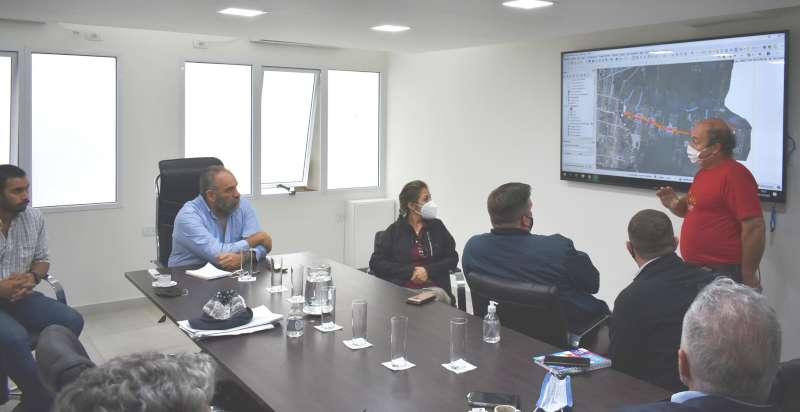 Polich evaluó el inicio de obras con áreas provinciales, municipales, Aguas de Ctes y empresa ejecutora