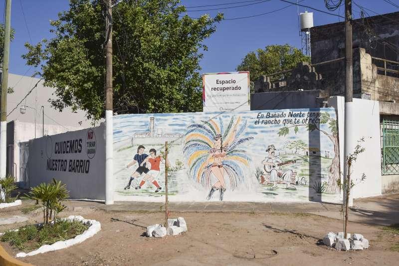 Tassano, en el barrio Bañado Norte: transforman un basural en un mural