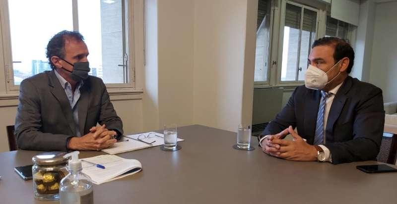 En Buenos Aires, Valdés coordinó con Nación obras para Corrientes