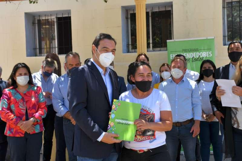 En San Cosme, Valdés entregó viviendas y anunció la construcción de otras diez unidades habitacionales
