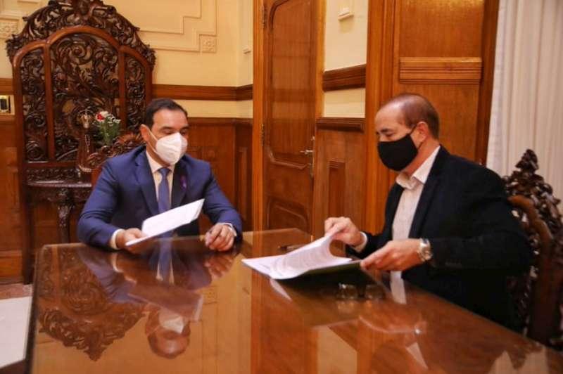Valdés firmó un convenio para la pavimentación de nueve cuadras en Santo Tomé