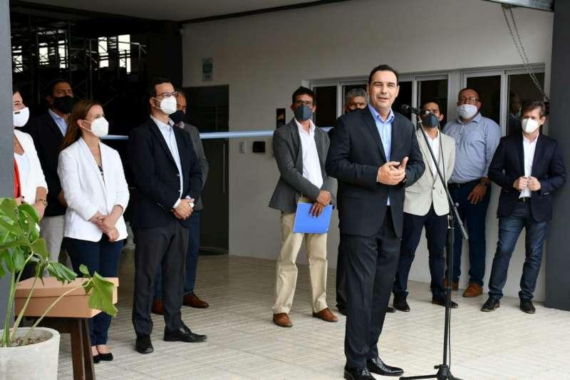 Valdés participó de la inauguración de importante emprendimiento privado en Riachuelo