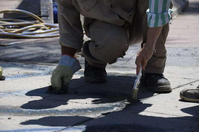 La Municipalidad realiza trabajos de limpieza en la plaza Cabral