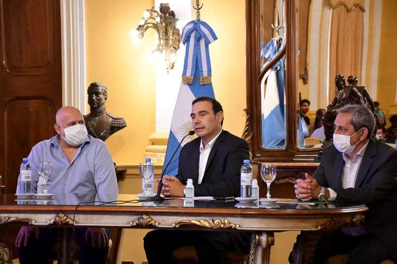 El Gobernador Valdés otorgó un Plus Navideño 2020 de $10 mil a los agentes de la administración pública provincial