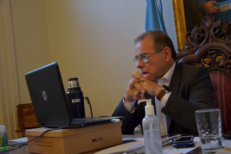 Tassano anunció la bancarización de todo el personal Neike municipal