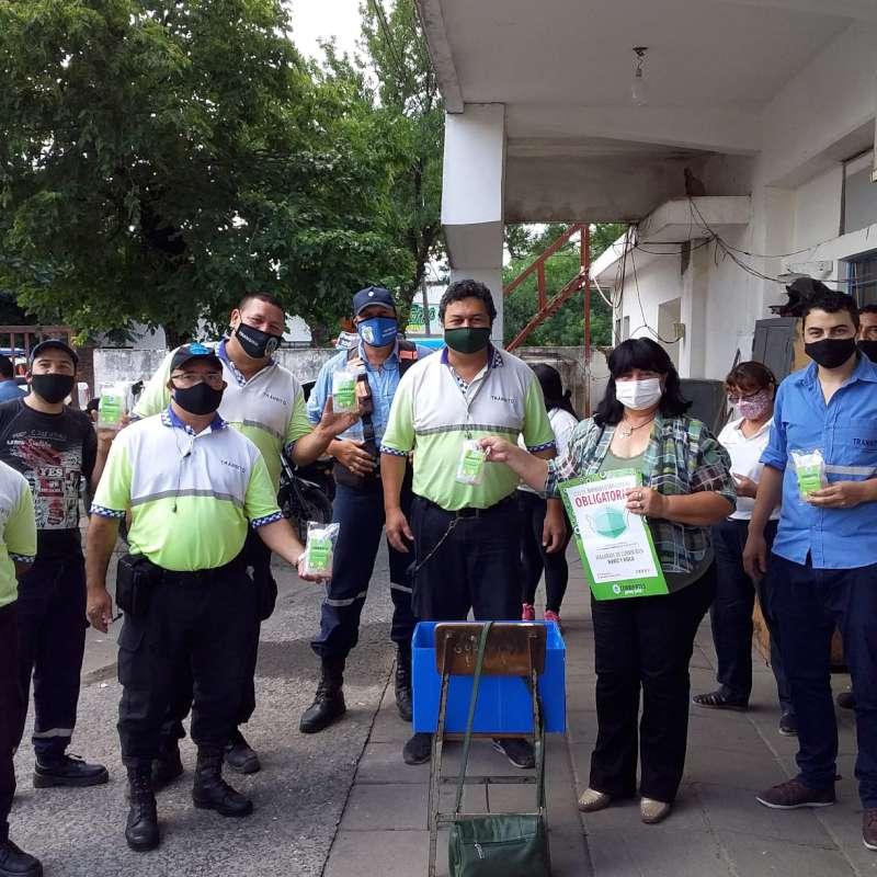 """""""La Prevención la Hacemos entre Todos"""": Entregaron kits de sanitización a la Dirección de Tránsito Municipal"""