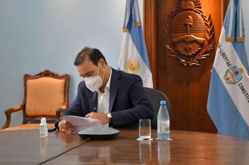 Valdés firmó un convenio con el Consejo Federal de Inversiones por 60 millones de pesos