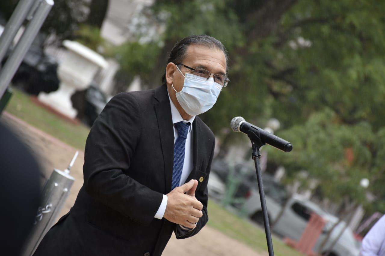 """Cardozo calificó de """"héroes"""" a los trabajadores de Salud Pública"""