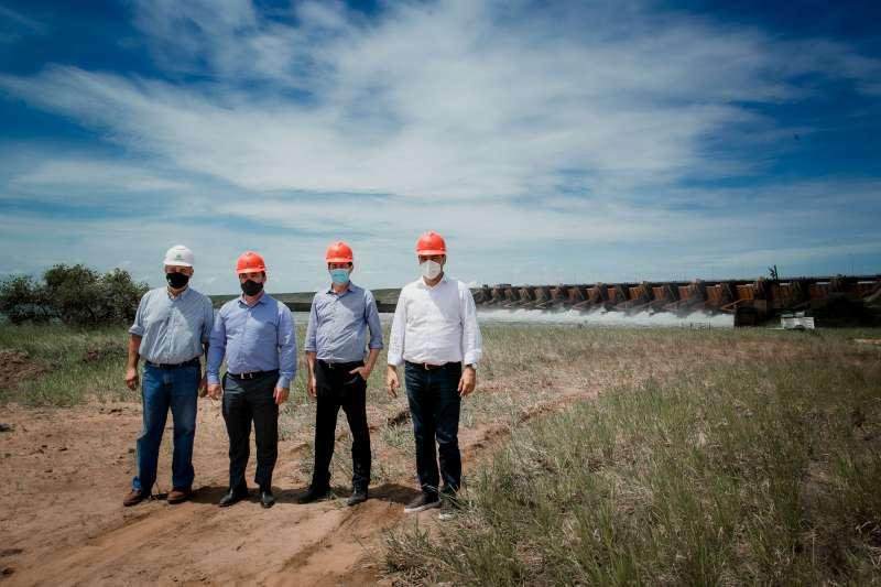 El Ministro del Interior y el Secretario de Energía de la Nación, visitaron la Central Hidroeléctrica Yacyretá y  las obras de maquinización de Aña Cuá