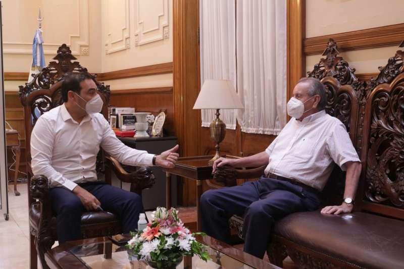 El Gobernador recibió a ex intendente y dialogaron sobre obras para el desarrollo de Ituzaingó y la Provincia