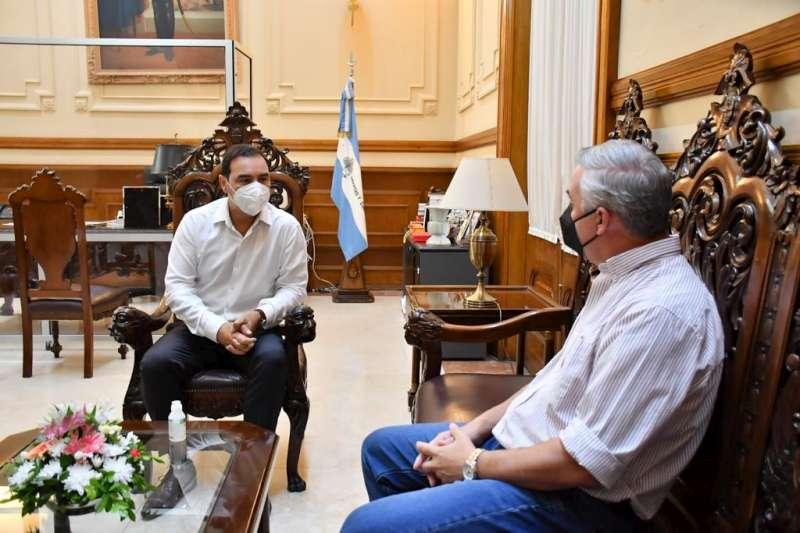 Valdés monitorea de cerca la situación epidemiológica de Bella Vista junto a Chávez