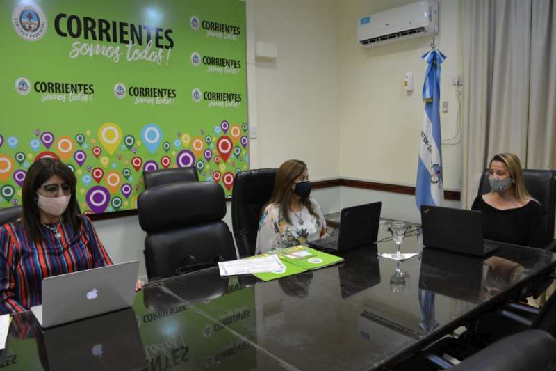 Más de 2000 docentes y directivos participaron de la jornada de formación docente virtual