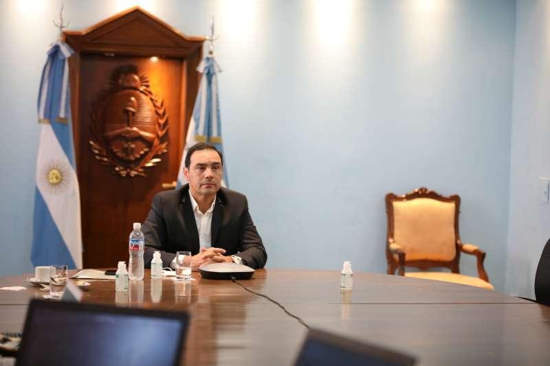 Valdés se reunió con Capitanich y empresarios chinos para avanzar en el proyecto del segundo puente