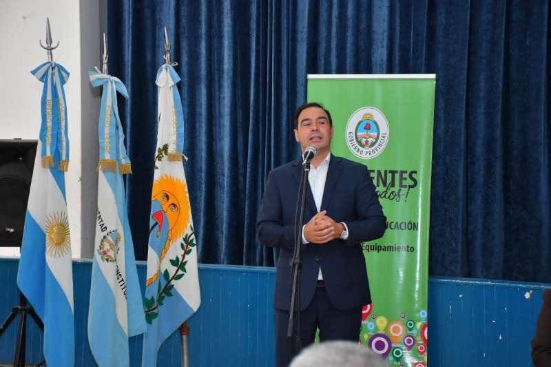 Valdés inauguró la refacción de una emblemática Escuela de Bella Vista y valoró los esfuerzos por la presencialidad cuidada