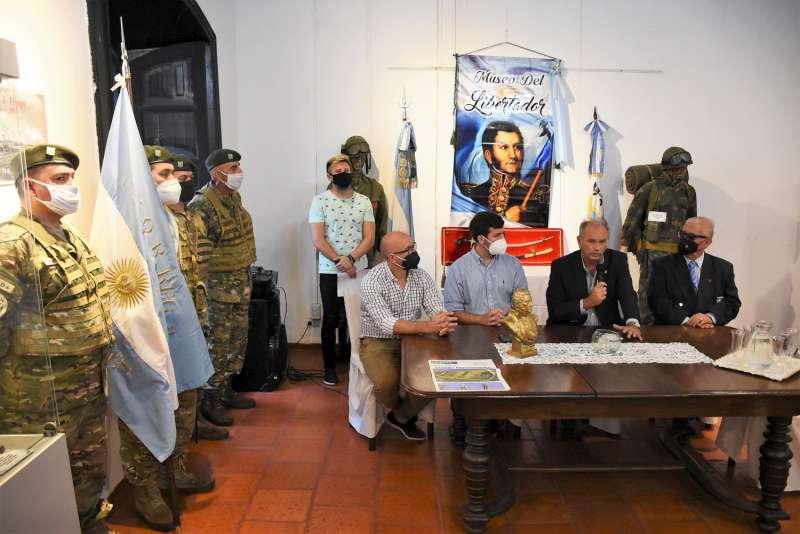 La Municipalidad inauguró la muestra Corazones de Fuego en Casa Molinas