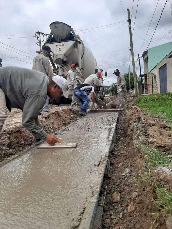 La Provincia abre otro frente de obra de cordón cuneta: ahora en el barrio Juan XXIII
