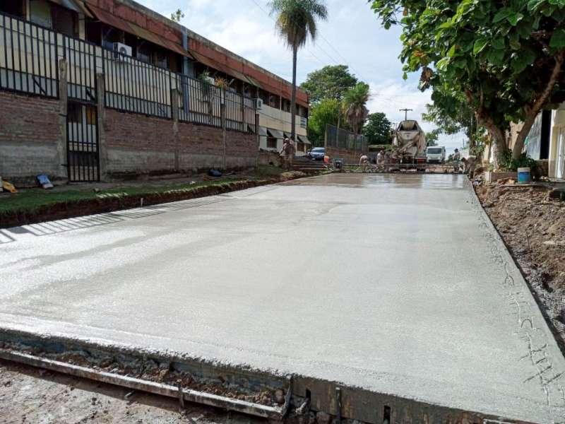 El Gobierno Provincial pavimenta la calle de acceso a la Escuela Técnica Brigadier Pedro Ferré