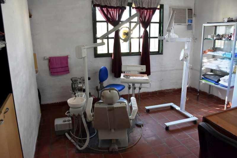 Nuevo equipo de rayos para atención odontológica en la SAPS del Victor Colas