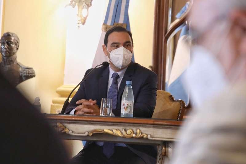 Valdés mantiene una reunión con ministros y distintos funcionarios provinciales