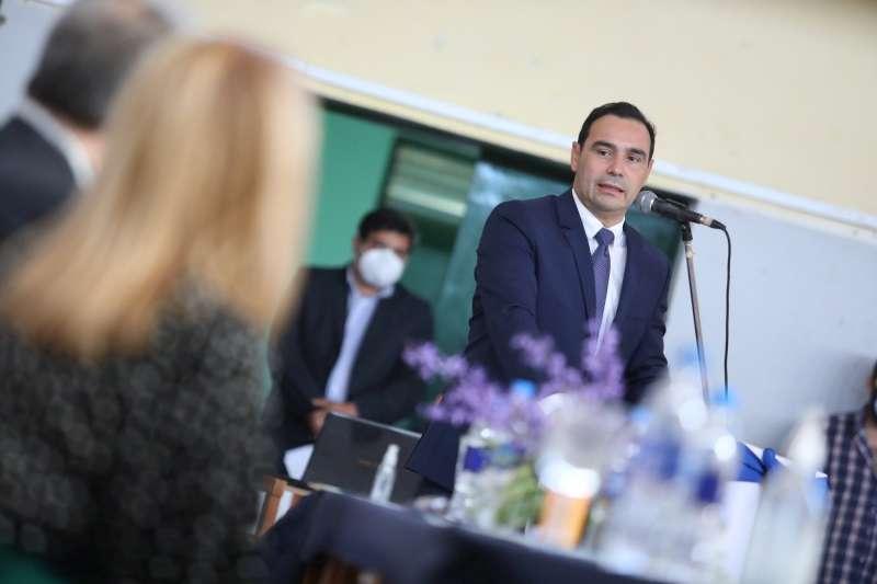 En Alvear, Valdés inauguró ampliación de Secundaria y anunció refacciones a nuevo en infraestructura escolar