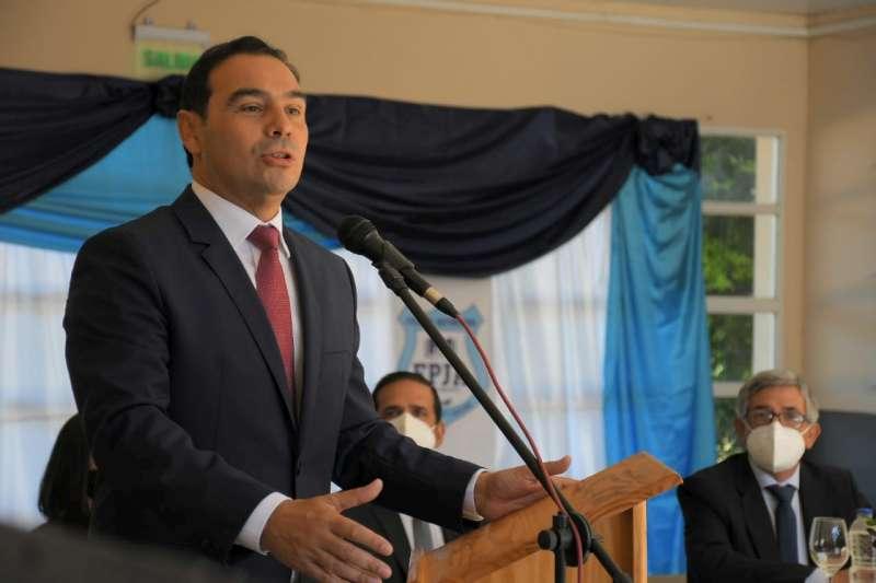 El Gobernador inauguró refacciones en predio donde funcionan tres instituciones educativas de La Cruz