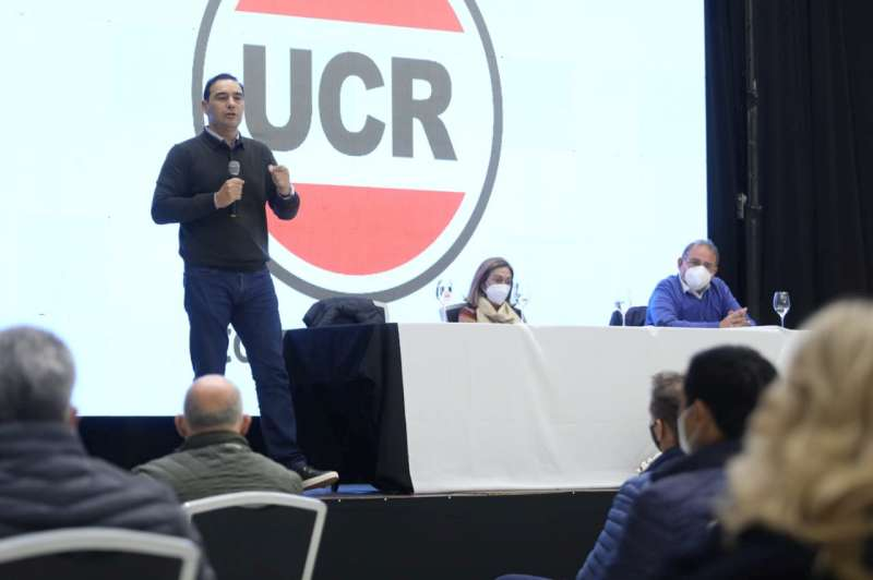 Contundente respaldo de la UCR a las reelecciones de Valdés y Tassano