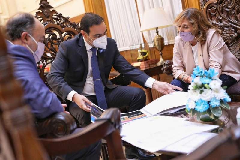 El Gobernador y la rectora Veiravé delinearon detalles del futuro Parque Tecnológico de la UNNE