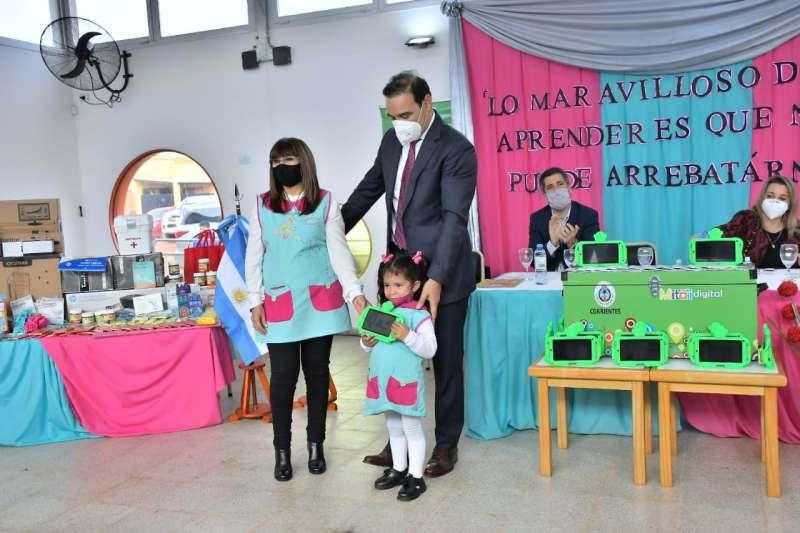 Valdés inauguró el JIN N°53 en el barrio 50 Viviendas de Virasoro