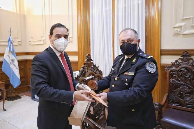 Valdés recibió la visita protocolar de la Policía Federal con vistas a profundizar el trabajo en conjunto
