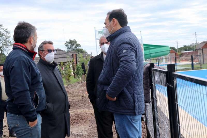Autoridades provinciales visitaron las obras de la pileta semiolímpica