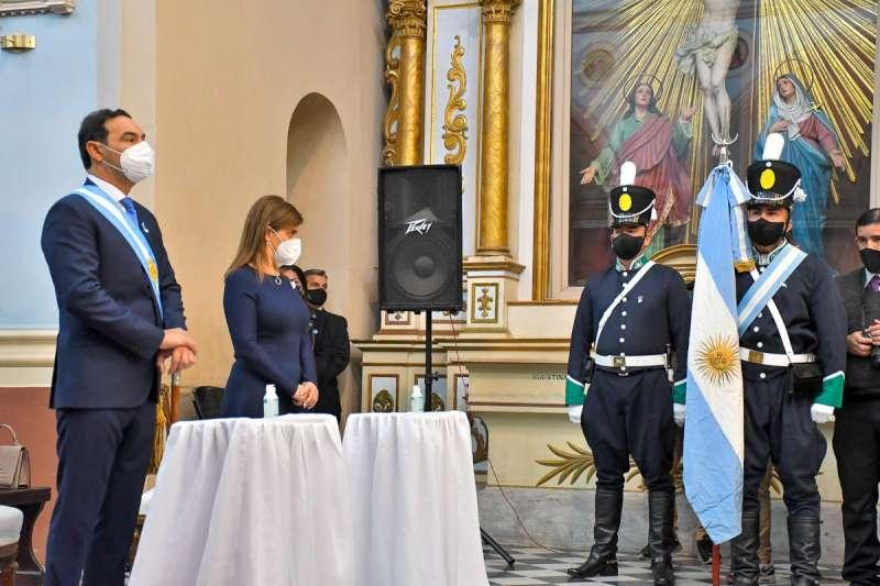 """Valdés abogó """"avanzar hacia una patria libre"""" al conmemorar la Independencia Nacional"""