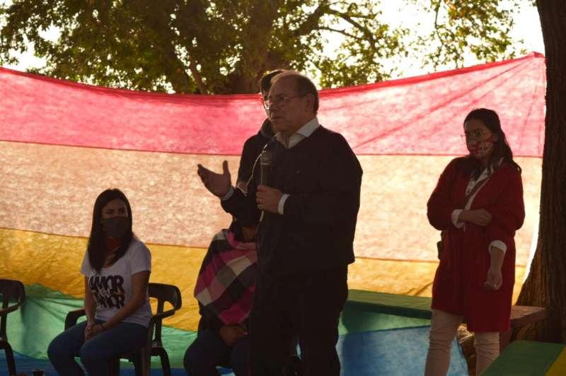 Se realizó una reunión con las personas del Colectivo LGTB y el Intendente Eduardo Tassano