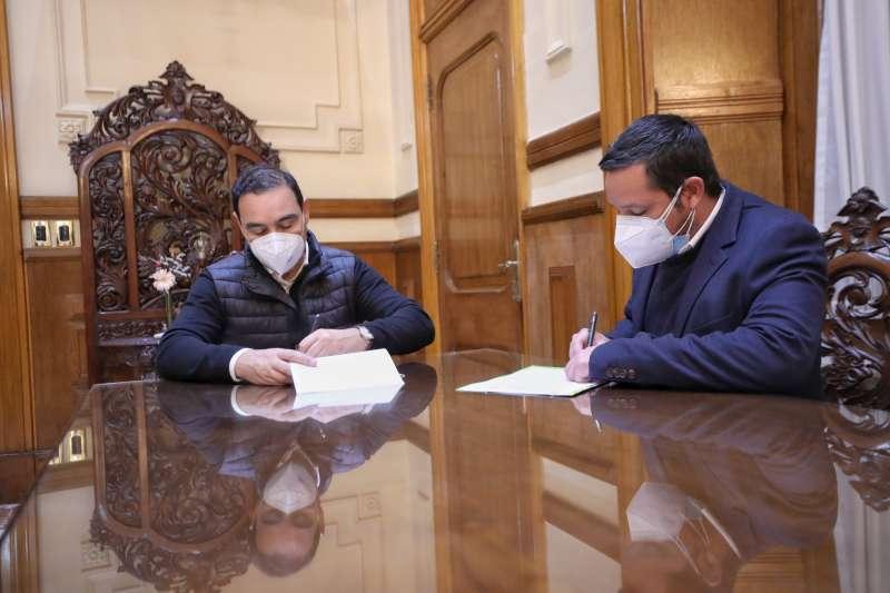 Valdés firmó Convenio por más de 32 millones de pesos en obras para Riachuelo