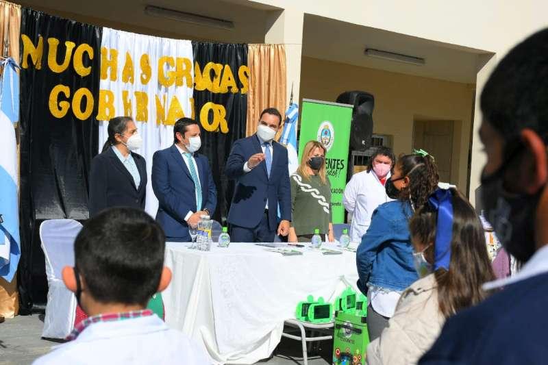 """Valdés en la inauguración de la Escuela 927: """"Hacemos este tipo de obras para que nuestros chicos cumplan sus sueños"""""""