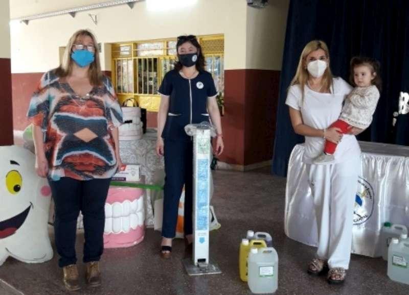 El Ministerio de Educación entregó insumos odontológicos a diez escuelas primarias de Capital