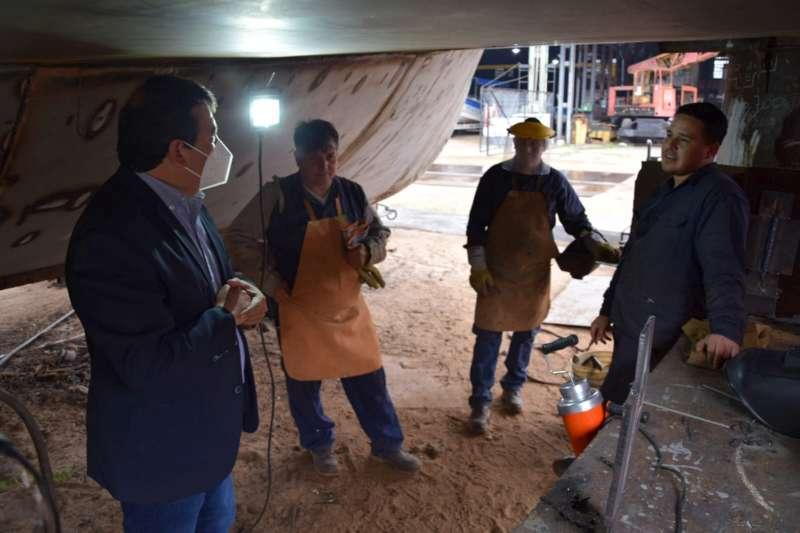 Trabajadores correntinos de la industria fluvial se forman para ser soldadores calificados