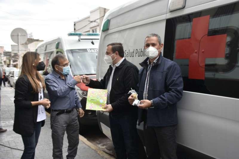 El Ministro Cardozo entregó ambulancias para Paso de la Patria y Colonia Carolina
